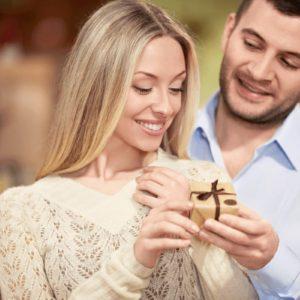 Правильные подарки для девушки