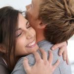 Как правильно мириться с девушкой после ссоры
